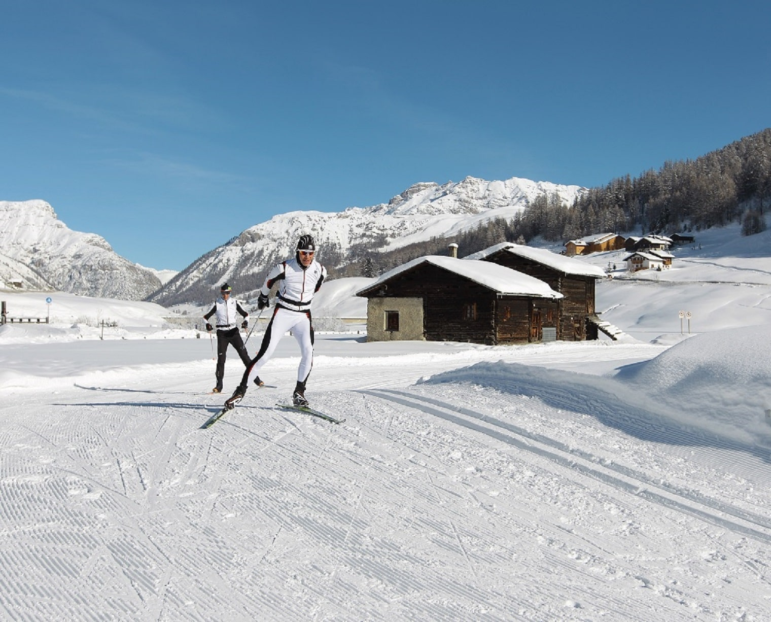 Cross_country_skiing_Livigno-min.jpg