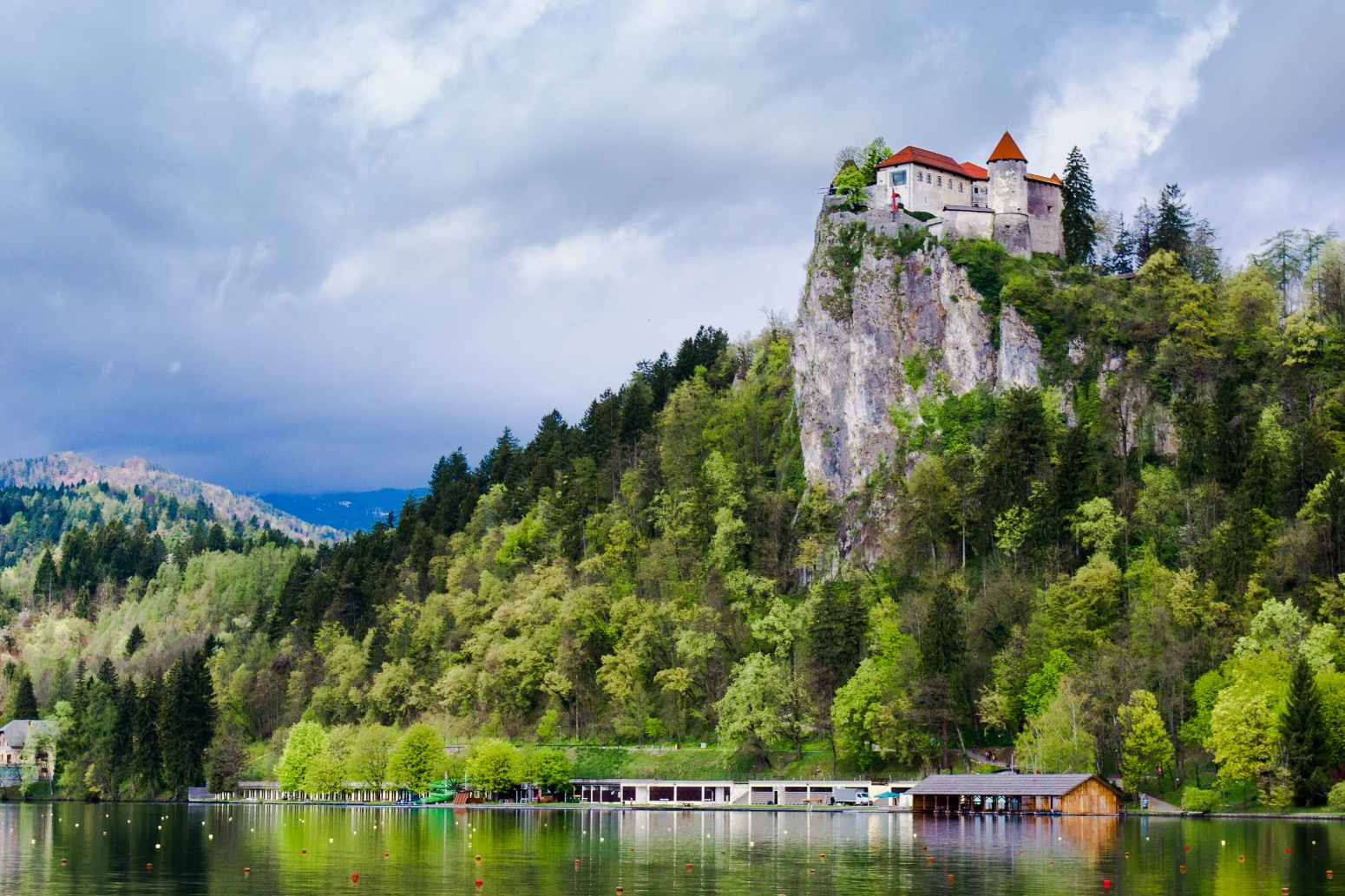 Holiday_on_Lake_Bled.jpg