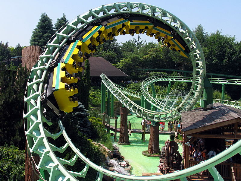 800px-MagicMountain_Gardaland_Screw.jpg
