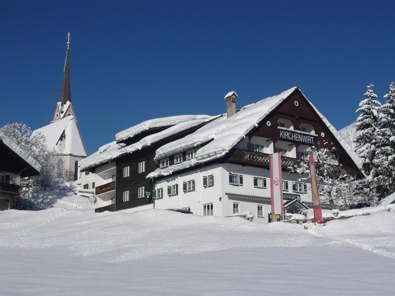 Gasthaus-Kirchenwirt-Gosau-Austria.jpg
