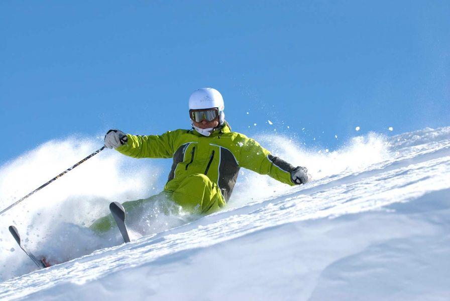 Ski_in_italy_big.jpg